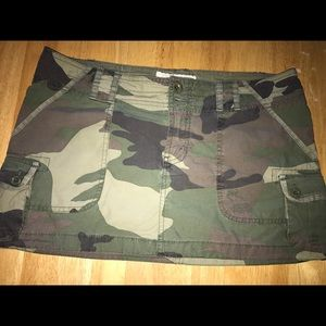 Abercrombie & Fitch Camouflage Mini Size 4